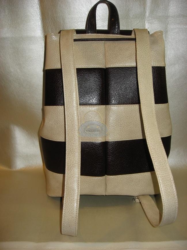 Рюкзак со спины