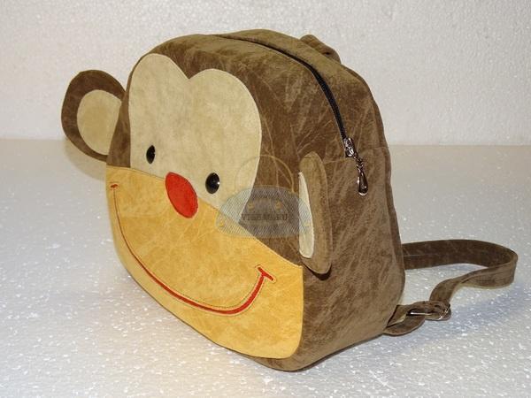 передняя часть детского рюкзака обезьянки